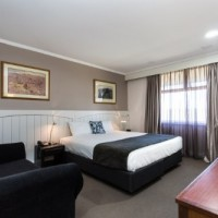 Corporate King Rooms